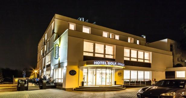 Praha: 3 denní víkendový wellness pobyt pro DVA v hotelu Golf**** se snídaní.