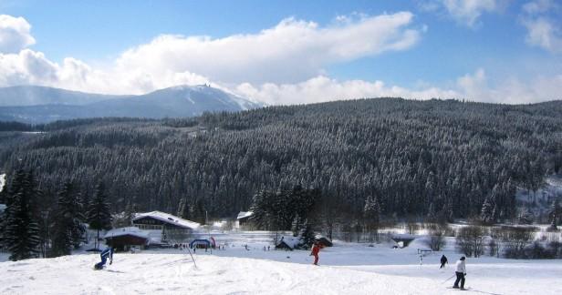 Zimní Železná Ruda v Hotelu Enzian 4 dny pro 2 s kvalitní snídaní za skvělou cenu až do konce května. Přímo u sjezdovky i běžecké trasy a také na bavorskou stranu.