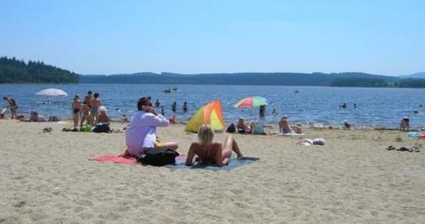 Týdenní letní dovolená Lipno a Šumava v Hotelu Swing*** s bohatou polopenzí, bazénem, sportem a dítětem do 6 let včetně polopenze zdarma až do 31.10.